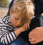 Ребенка рвет после еды: причины тошноты и рвоты и способы лечения