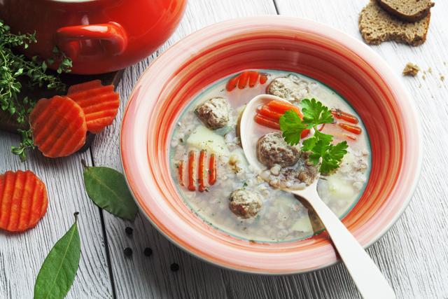 Кабачки при грудном вскармливании : можно ли кормящей маме (рецепты)