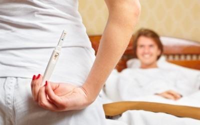 Какой стороной опускать тест на беременность в мочу, как использовать Evitest и другие?