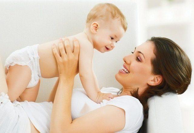 Мята при грудном вскармливании : можно ли кормящей маме мятный чай?