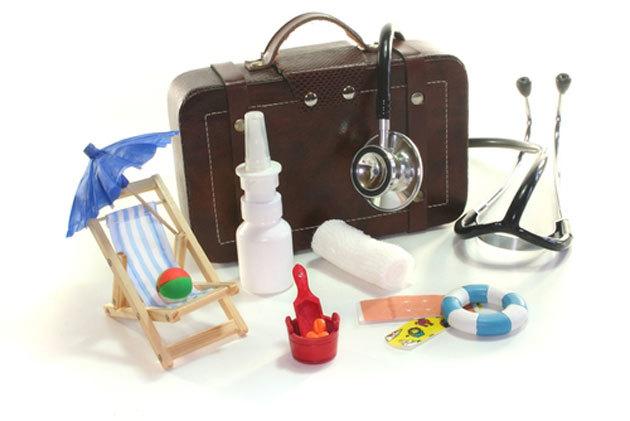 Аптечка для ребенка на море ????: список лекарств в дорогу, на дачу (Комаровский)