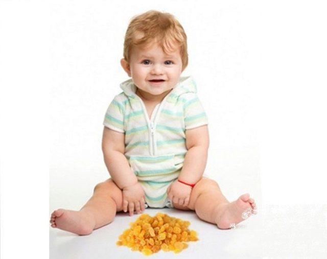 Изюм при грудном вскармливании : можно ли кормящей маме в первый месяц?