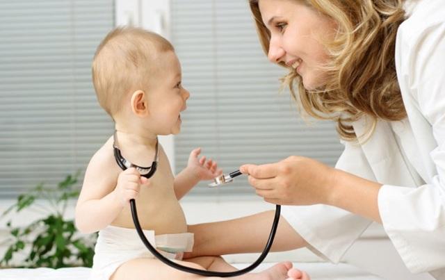 Ребенку 5 месяцев: развитие, вес и рост, питание мальчика и девочки (видео)
