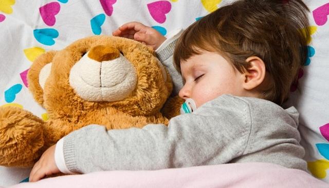 Что должен уметь ребенок в 1,5 года: развитие в 1 год 6 месяцев, питание, игры