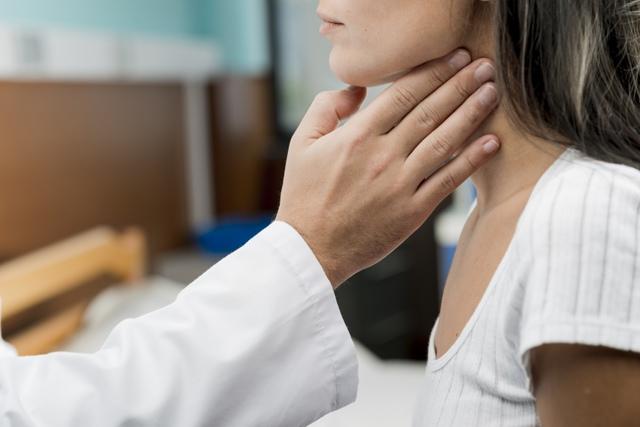 Заболевания горла у детей - фото и диагноз, причины, лечение и профилактика