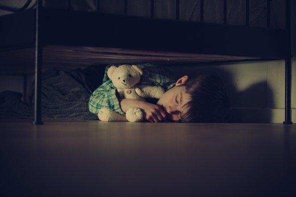Испуг у ребенка : признаки, как лечить, как снять испуг маме самостоятельно дома?