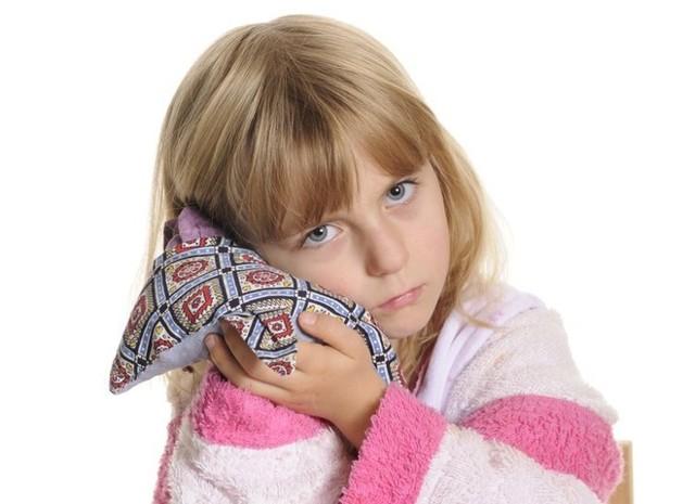 Камфорное масло в ухо ребенку: инструкция по применению компрессов