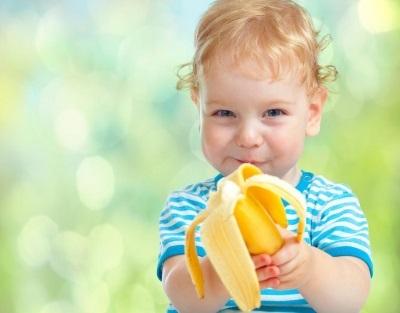 Со скольки месяцев можно давать ребенку банан : прикорм грудничка