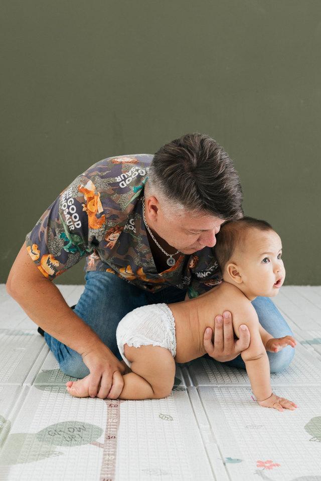 Гимнастика для детей до 1 года , ежедневный массаж ребенку 9-12 месяцев (видео)