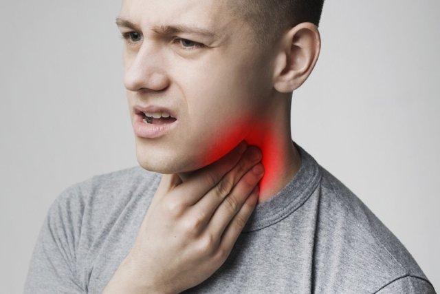 Красное горло у ребенка : как выглядит фото здоровой и больной слизистой?