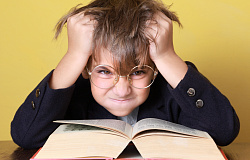 Что делать, если ребенка обижают в школе: советы психолога родителям