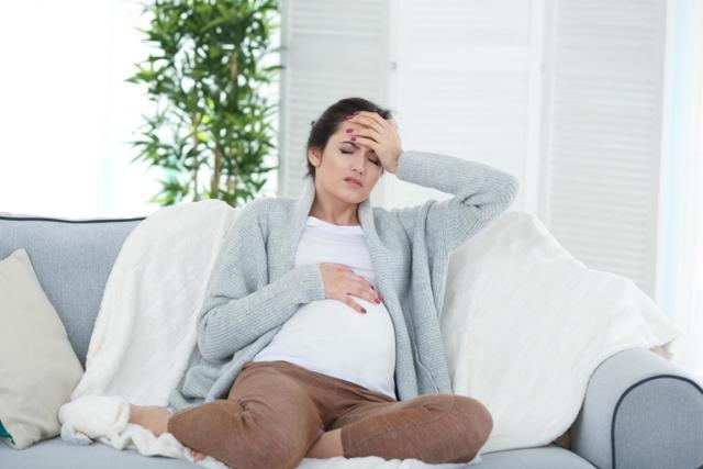 Гранат при беременности - польза и вред: можно ли есть с косточками на ранних и поздних сроках?