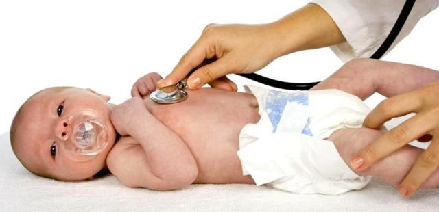 Гноится глаз у новорожденного - что делать, как и чем правильно лечить?