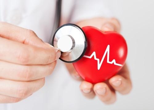 У ребенка 10-12 лет болит сердце - почему при дыхании возникает колющее или давящее чувство?