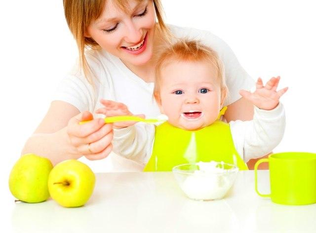 Молочные каши для детей до года: когда вводить при грудном вскармливании?