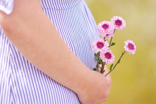 Выходит воздух из матки после родов: почему он попадает во влагалище?