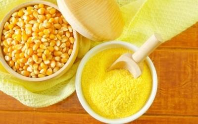 С какого возраста можно давать ребенку вареную кукурузу, чем она полезна?