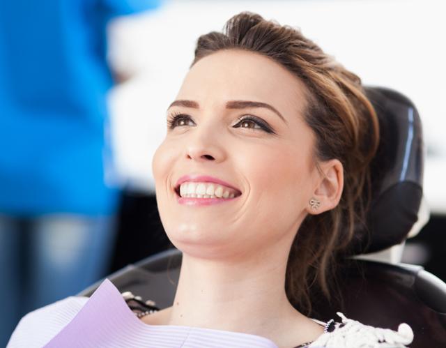 Можно ли беременным лечить зубы с анестезией, на каком сроке беременности лучше идти в стоматологию?