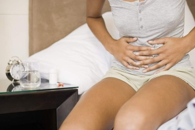 Омывание плода при беременности на ранних сроках: признаки, как отличить от месячных