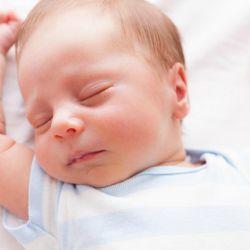 Прививки в роддоме новорожденным - вакцины от каких заболеваний делают детям в первые дни жизни?