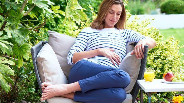 Соски при беременности: как выглядят на ранних и поздних сроках, почему темнеют?