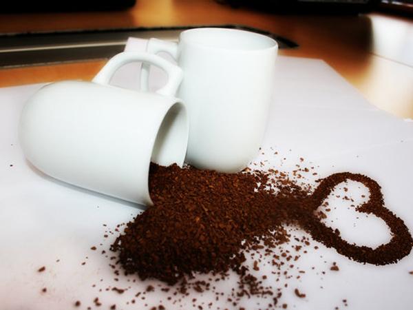 Можно ли беременным кофе с молоком или без кофеина: вредно ли это и сколько чашек пить в день?