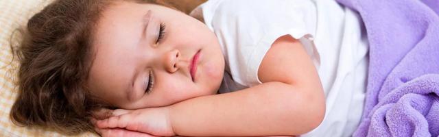 Сколько должен спать годовалый ребенок: нормы в 1, 2, 3 года и до 7 лет