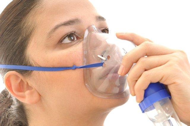 Ингаляции при беременности: можно ли делать процедуру от кашля и насморка при помощи небулайзера?