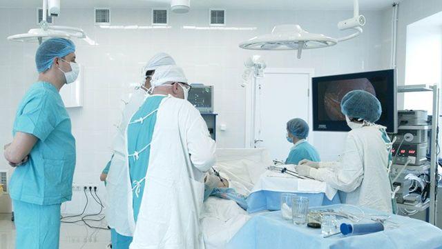 Паховая грыжа у новорожденных мальчиков и девочек с фото, лечение патологии