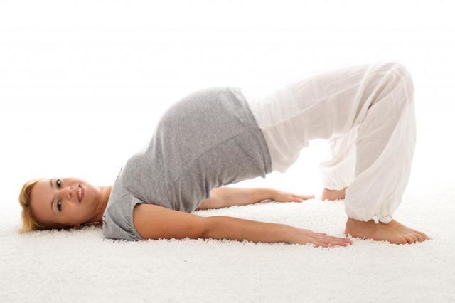 Твердый живот при беременности: причины на ранних и поздних сроках, симптомы, поводы для волнений