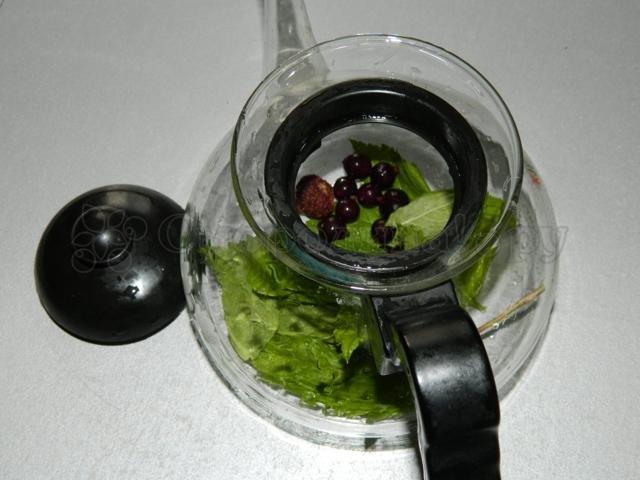 Черная смородина при беременности: можно ли употреблять ягоды и листья в 1, 2 и 3 триместрах?