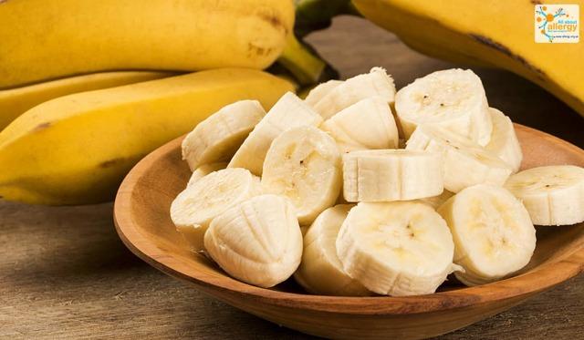 Аллергия на бананы у детей - может ли быть реакция на продукт и какими симптомами сопровождается?